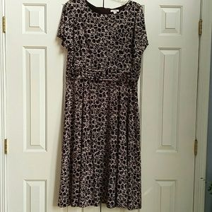 Flattering and comfy brown dress